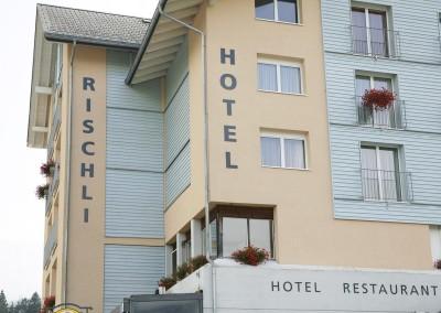 Beschriftung Fassade Hotel Rischli
